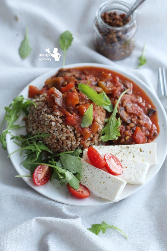 Potrawka-paprykowo-pomidorowa-z-soczewicą-dietetyk-w-stolicy